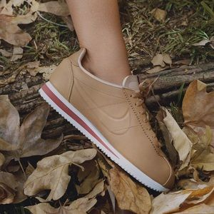 176dda9d9034 Nike Shoes - Maria Sharapova x La Cortez Classic Premium • NIB